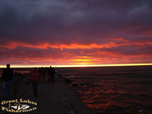 ludington_8_09_030_red_sky.jpg