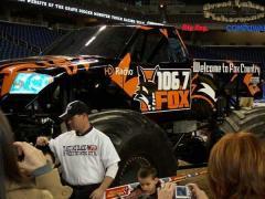 Fox106.7.jpg