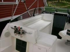 bayliner_-_just_hook_n_-_new_seats_modified_2.jpg