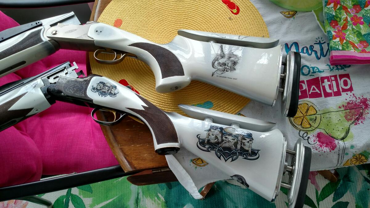2 GUNS.jpg